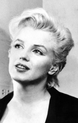 Marilyn Monroe plastic surgery files to be sold