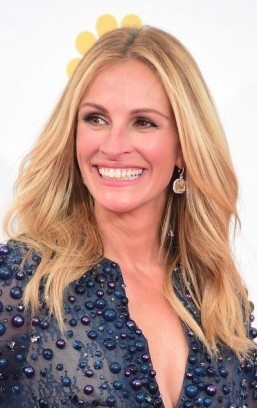 Julia Roberts in talks to appear in 'Mother's Day'