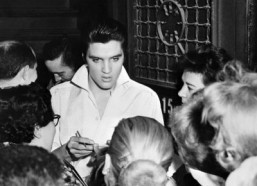 Elvis's jewelry, outfits fetch surprisingly high bids