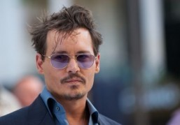 "Before turning to ""Mortdecai,"" Johnny Depp wrapped up on the set of ""Transcendence,"" a science-fiction film directed by Wally Pfister. ©AFP PHOTO/ANDREW COWIE"