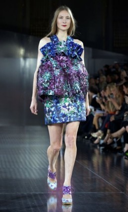 A creation by designer Mary Katrantzou during the 2014 Spring/Summer London Fashion Week ©AFP PHOTO / ANDREW COWIE