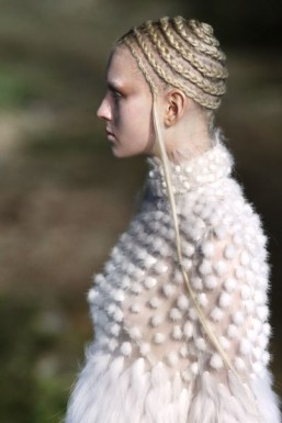 Circular cornrows at Alexander McQueen ©AFP PHOTO / FRANCOIS GUILLOT