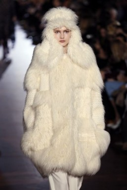 Faux fur at Stella McCartney - Fall-Winter 2015-2016 ready-to-wear collection ©PATRICK KOVARIK / AFP