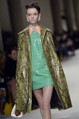 Fall/Winter 2015-2016: retro fabrics to the fore in womenswear