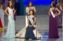 Miss World axes bikinis for Muslim Indonesia