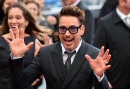 Downey Jr signs up for 'Avengers' sequels