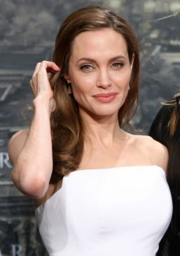 Angeline Jolie gets honorary Oscar for humanitarian work