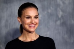 Natalie Portman turns down role in Steve Jobs biopic