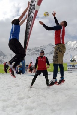 No sand, no beach: Snow volleyball takes Alps by storm