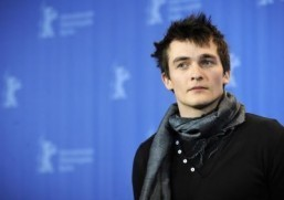 "Rupert Friend will shave his head to play Agent 47 in an adaptation of the ""Hitman"" video game series. © AFP PHOTO BARBARA SAX"
