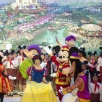 Luxury shopping outlet planned adjacent to China's first Disneyland
