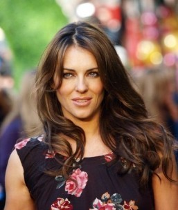 Elizabeth Hurley to play Queen of England in E! series
