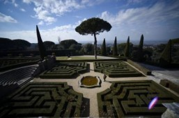 The garden of the Apostolic Palace of Castel Gandolfo, Italy ©AFP PHOTO / FILIPPO MONTEFORTE
