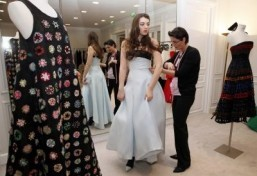 Kennedy scion is star of Paris debutantes ball