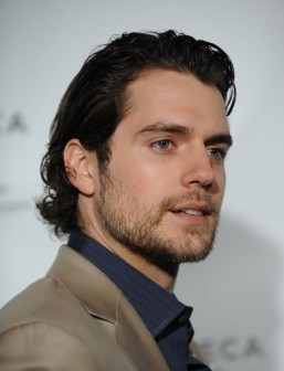 Henry Cavill in talks to replace Tom Cruise in 'The Man from U.N.C.L.E.'