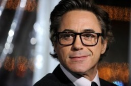 Downey Jr, Lawrence win big at People's Choice awards