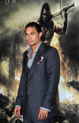 Jason Momoa joins 'Batman v Superman' as Aquaman