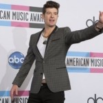 Robin Thicke drops Nicki Minaj track and addresses rumor mill on Twitter