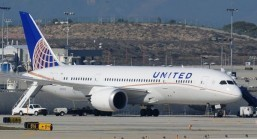 United to resume Dreamliner flights May 20