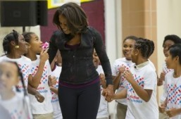 Michelle Obama calls for nutrition label changes