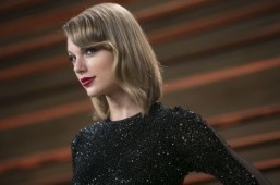 Taylor Swift to headline Victoria's Secret show