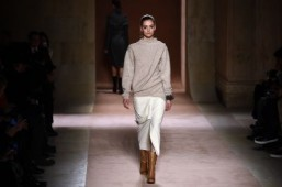 Victoria Beckham to expand fashion line to Asia