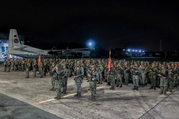 Troops from the Philippine Marines 7th Marine Battalion stand in formation before boarding a flight to Mindanao for deployment to Marawi City on Thursday. Around 400 men from the battalion will reinforce government troops fighting the Maute group.(MNS photo)