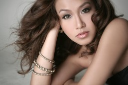 Rachelle Ann Go joins 'Miss Saigon' Broadway