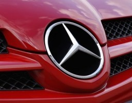 Mercedes to build world's first premium pick-up