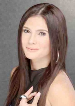 Vina to mark 30 years in showbiz with concert