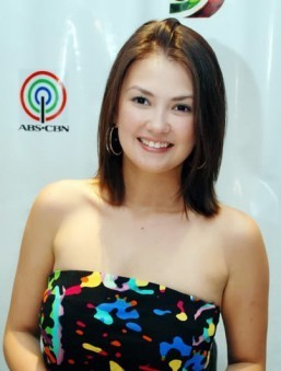What's missing in Angelica Panganiban's life?