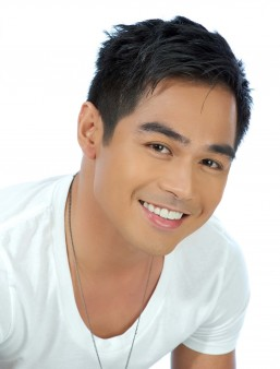 Benjamin Alves denies alleged romantic relationship with Lovi Poe