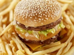 Junk food and fat can cause similar damage to the body as type 2 diabetes finds new study