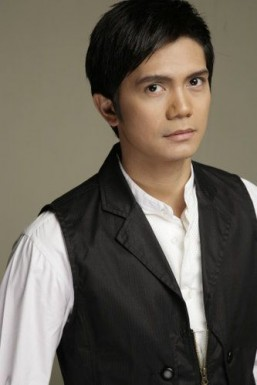 Vhong Navarro is new 'Mang Kepweng'