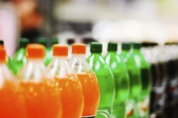 WHO urges price hikes on sugary drinks in obesity fight