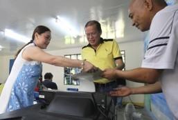 PNoy uses kodigo to ensure 12-0 vote for team