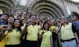 If elected, Roxas open to appointing non-LP members as Cabinet officials