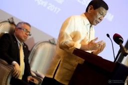 President Rodrigo Roa Duterte encourages businessmen to invest in the Philippines during his speech at the Philippines-Qatar Business Forum in Doha, Qatar on April 15, 2017. (MNS photo)