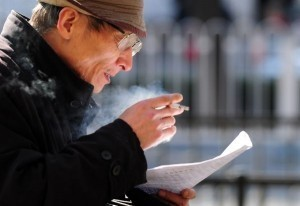 Smoking linked to mental decline in men: study