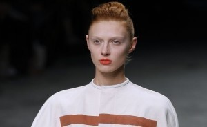 Spring/Summer 2012 beauty trends: corals, metallics and navy eyeshadow