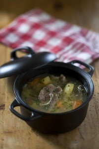 Traditional Icelandic recipes: lamb soup, deep-fried bows