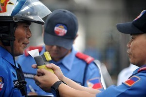 Sobriety tests for Philippine traffic cops