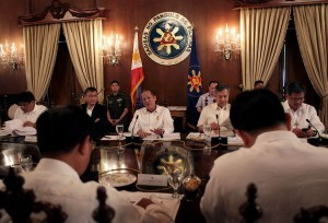 Aquino leads 12th Cabinet meeting, discusses 2013 national budget