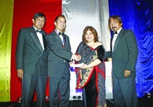 100 Outstanding Filipino Americans in the USA donated  ONE MILLION PESOS to Gawad Kalinga
