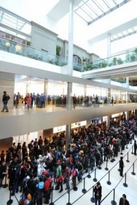 World watches for 'iPhone 5′ unveiling Wednesday