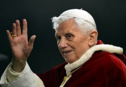 Pope to quit Twitter after stepping down: Vatican Radio