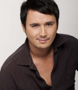 John Estrada replaces Jericho in new teleserye