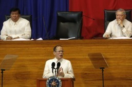 PHL on its way to rice self-sufficiency: Aquino
