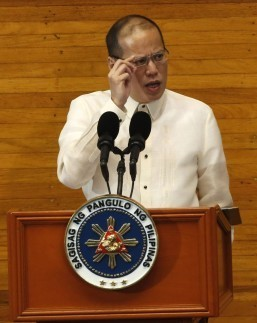PNoy asks 16th Congress to pass 2014 budget, key economic bills