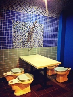 Toilet-themed restaurant opens in Los Angeles